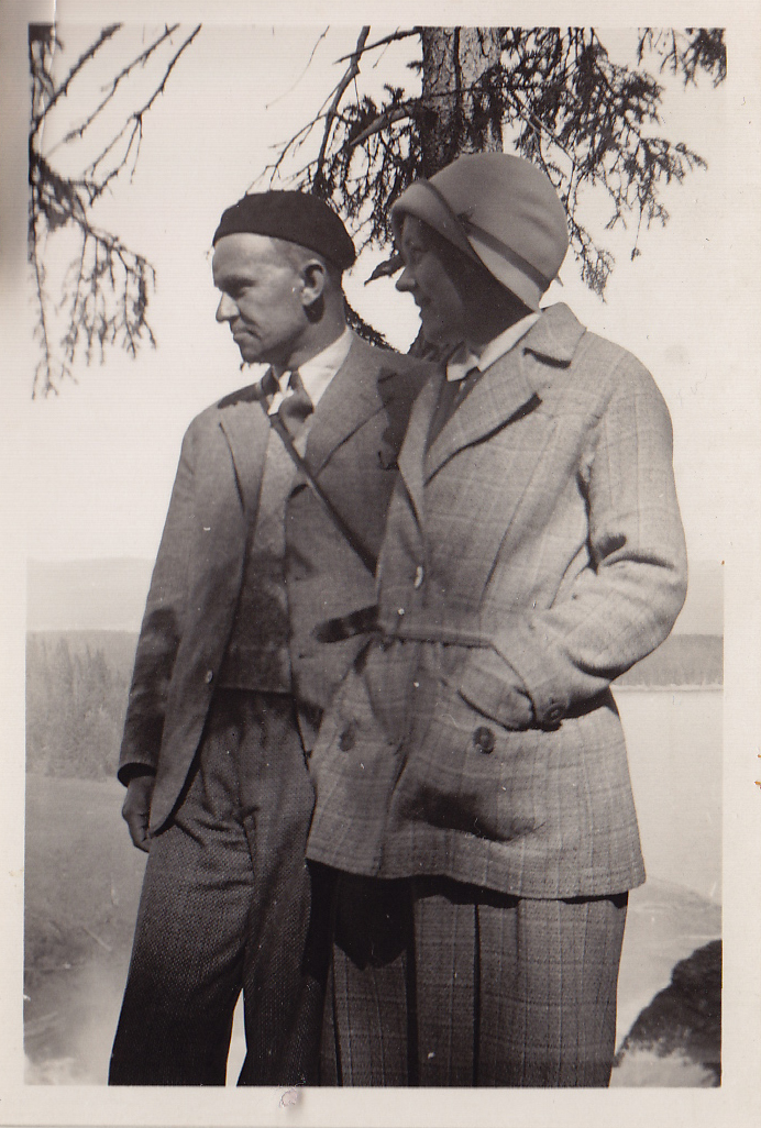 """""""Margit och Axel Enström"""""""